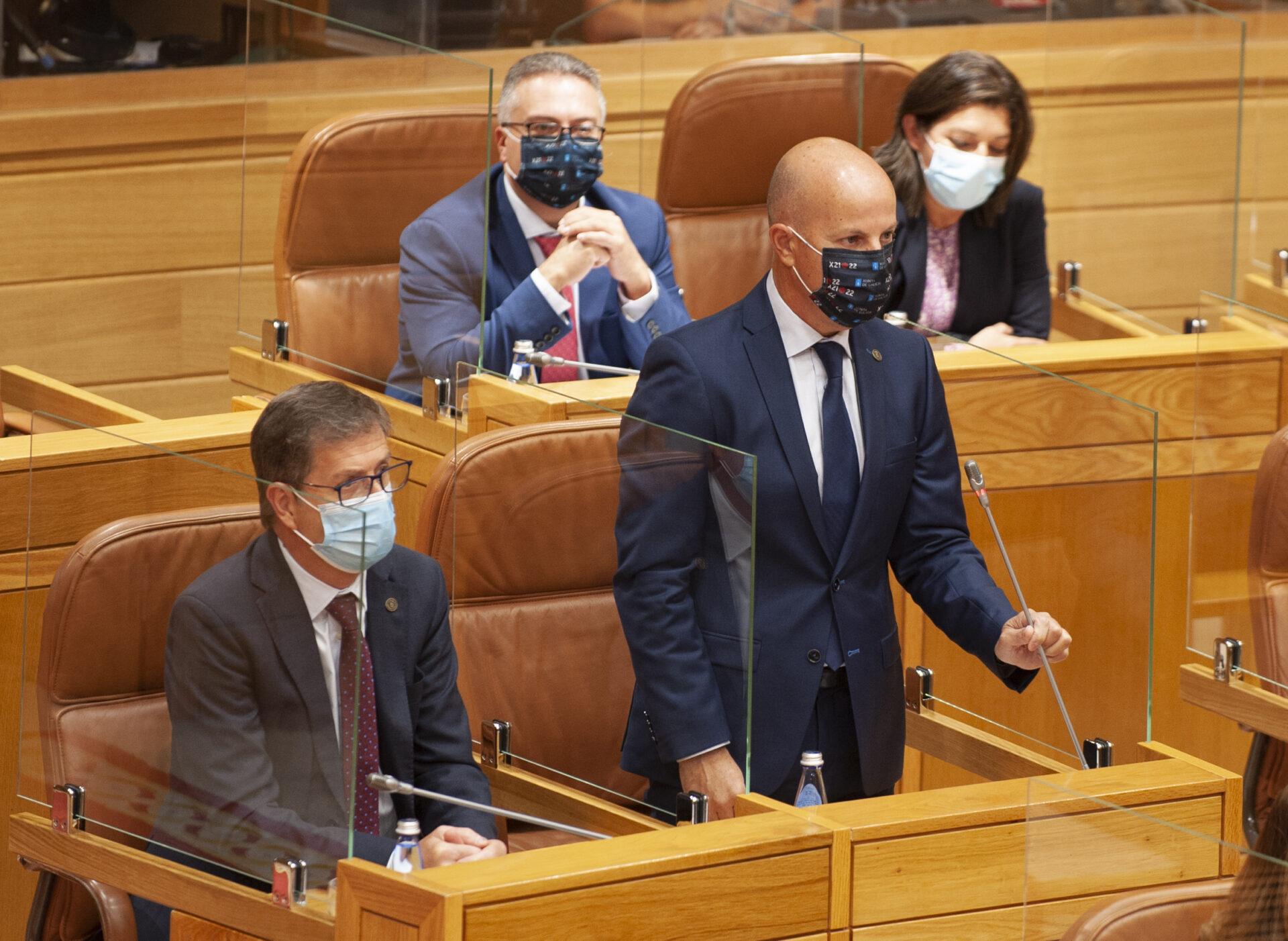 Moisés Rodríguez toma posesión de su acta en el Parlamento de Galicia